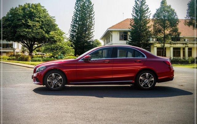 Bán Mercedes-Benz C180 model 2020, chỉ 349tr - nhận xe ngay - bank hỗ trợ 80% - giá tốt nhất 6