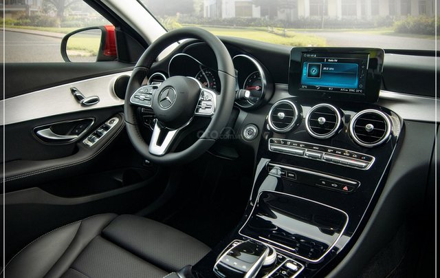 Bán Mercedes-Benz C180 model 2020, chỉ 349tr - nhận xe ngay - bank hỗ trợ 80% - giá tốt nhất 10
