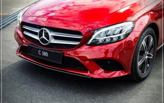 Bán Mercedes-Benz C180 model 2020, chỉ 349tr - nhận xe ngay - bank hỗ trợ 80% - giá tốt nhất 1