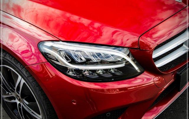Bán Mercedes-Benz C180 model 2020, chỉ 349tr - nhận xe ngay - bank hỗ trợ 80% - giá tốt nhất 3