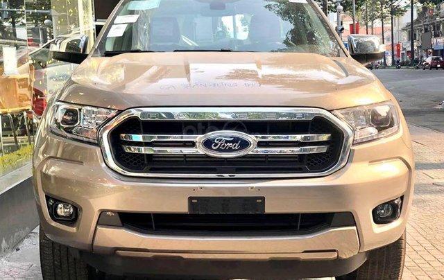 Ranger Limited 2020 trả trước 220tr, giao xe ngay0
