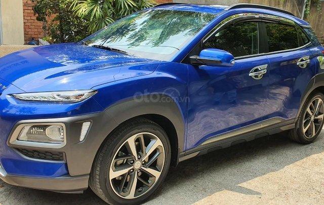 Cần bán xe Hyundai Kona sản xuất 2018, xe mới 98%1