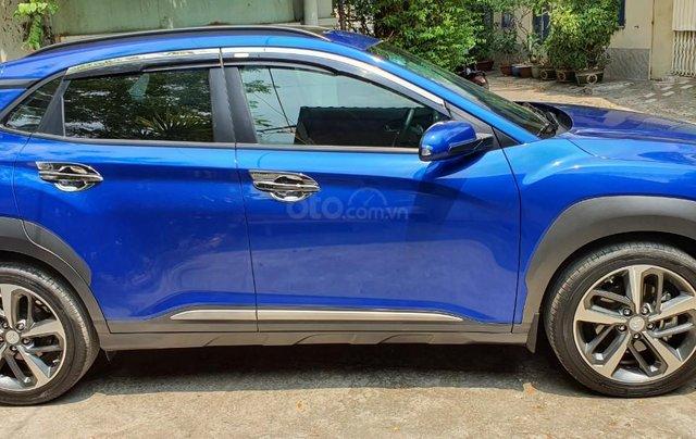 Cần bán xe Hyundai Kona sản xuất 2018, xe mới 98%3