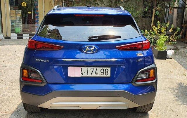 Cần bán xe Hyundai Kona sản xuất 2018, xe mới 98%6