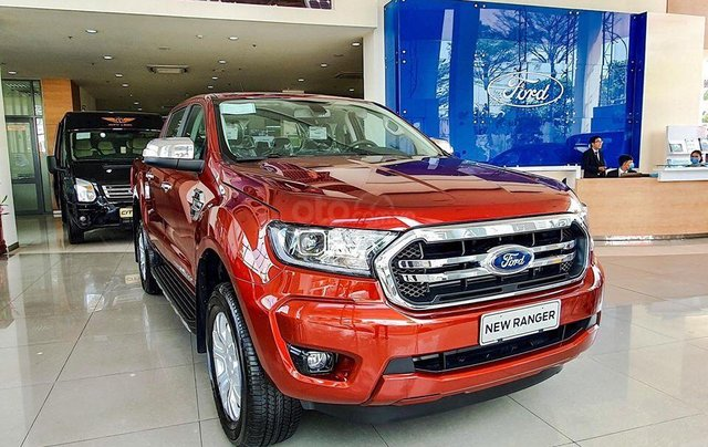 Ford Ranger Limited 2020 có xe giao ngay0