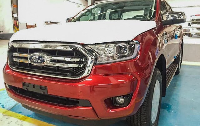 Ford Ranger Limited 2020 có xe giao ngay1