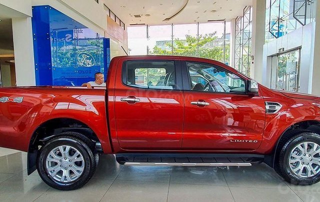 Ford Ranger Limited 2020 có xe giao ngay2
