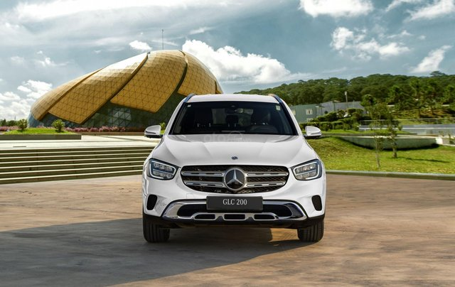 Bán xe Mercedes-Benz GLC200 2020 - Giao xe ngay, giảm giá và nhiều ưu đãi tháng 03/20205