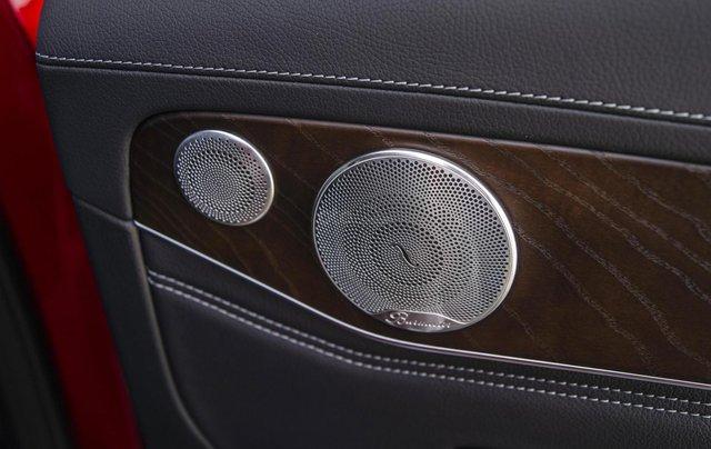 Bán xe Mercedes-Benz GLC200 4Matic - giao xe tháng 01/2021, nhiều khuyến mãi, lãi suất từ 0.66%/ tháng6