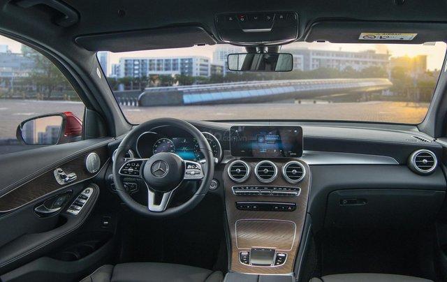 Bán xe Mercedes-Benz GLC200 4Matic - giao xe tháng 01/2021, nhiều khuyến mãi, lãi suất từ 0.66%/ tháng7