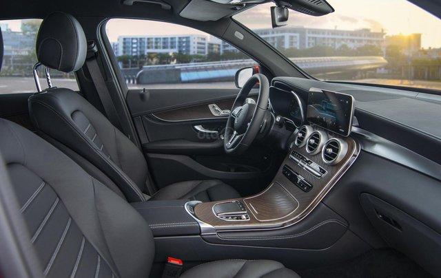 Bán xe Mercedes-Benz GLC200 4Matic - giao xe tháng 01/2021, nhiều khuyến mãi, lãi suất từ 0.66%/ tháng8