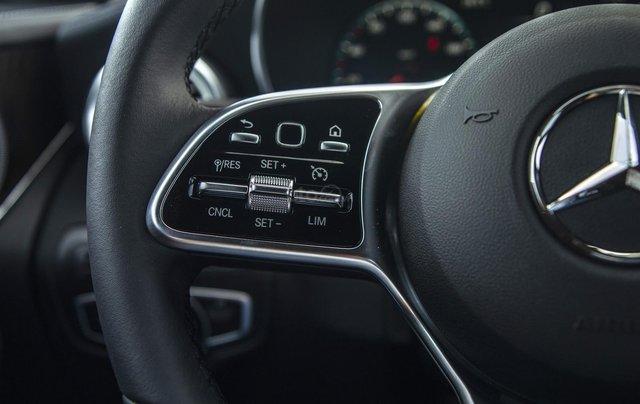 Bán xe Mercedes-Benz GLC200 4Matic - giao xe tháng 01/2021, nhiều khuyến mãi, lãi suất từ 0.66%/ tháng9
