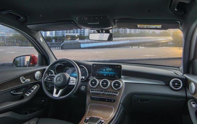 Bán xe Mercedes-Benz GLC200 4Matic - giao xe tháng 01/2021, nhiều khuyến mãi, lãi suất từ 0.66%/ tháng10