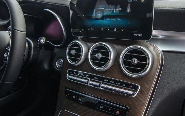 Bán xe Mercedes-Benz GLC200 4Matic - giao xe tháng 01/2021, nhiều khuyến mãi, lãi suất từ 0.66%/ tháng11