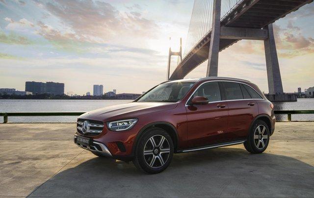 Bán xe Mercedes-Benz GLC200 4Matic - giao xe tháng 01/2021, nhiều khuyến mãi, lãi suất từ 0.66%/ tháng5