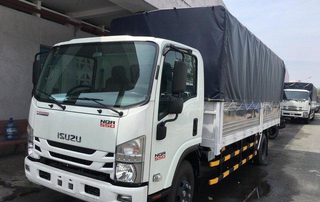 Xe Isuzu 5.7T thùng bạt 6.2m, KM tiền mặt 16.4tr, máy lạnh, 12 phiếu bảo dưỡng, radio MP32