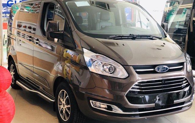Ford Tourneo giao ngay bao giá lăn bánh chưa đến 950tr2