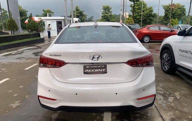 Bán Hyundai Accent MT đặc biệt + tặng tiền mặt + trả trước 120 triệu nhận xe ngay, góp 7,5 triệu/ tháng2