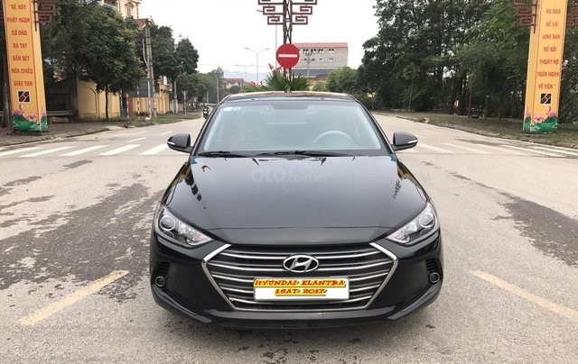 Bán xe Hyundai Elantra 1.6AT 2017, 1 chủ lướt 30.000 km xịn, túi bóng nilon bảo vệ từ hãng vẫn còn nguyên quá mới0