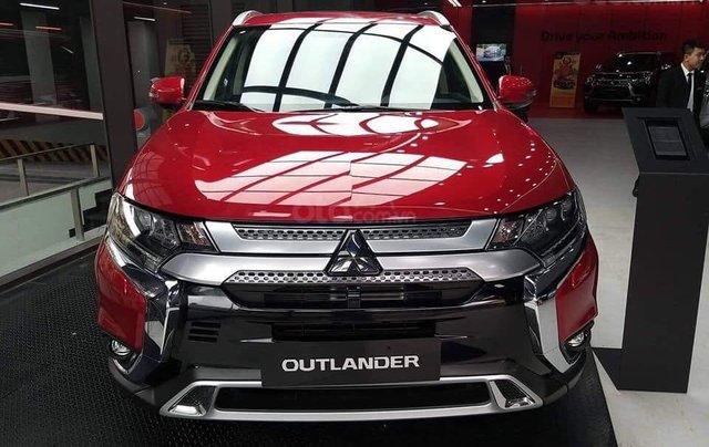 Bán xe Mitsubishi Outlander năm 2020 giá 825 triệu đồng4