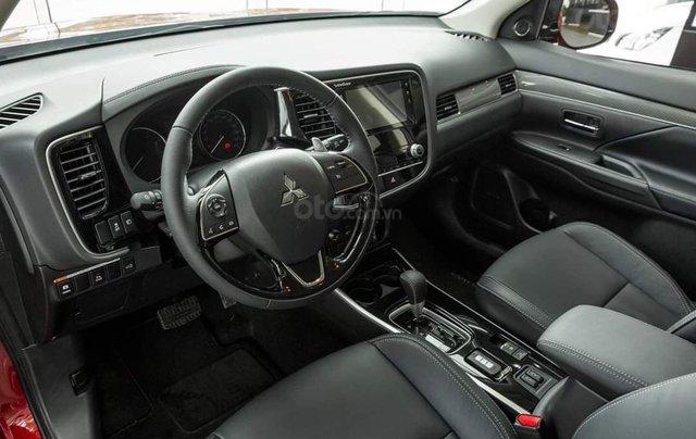 Bán xe Mitsubishi Outlander năm 2020 giá 825 triệu đồng13