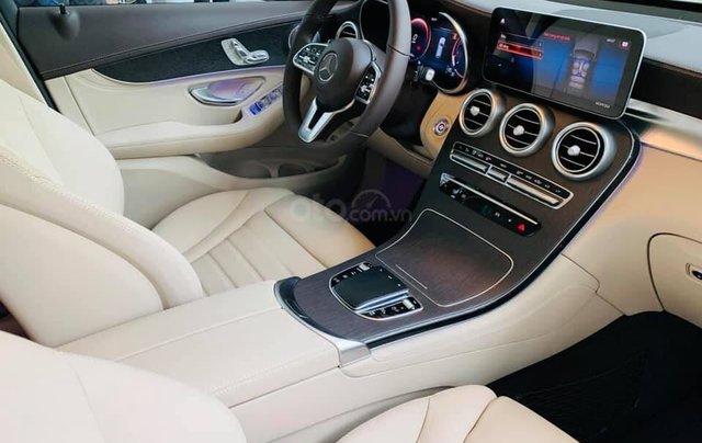 Giá xe Mercedes GLC 300 4Matic 2021, thông số kỹ thuật, giá lăn bánh, khuyến mãi hấp dẫn tháng 01/20216