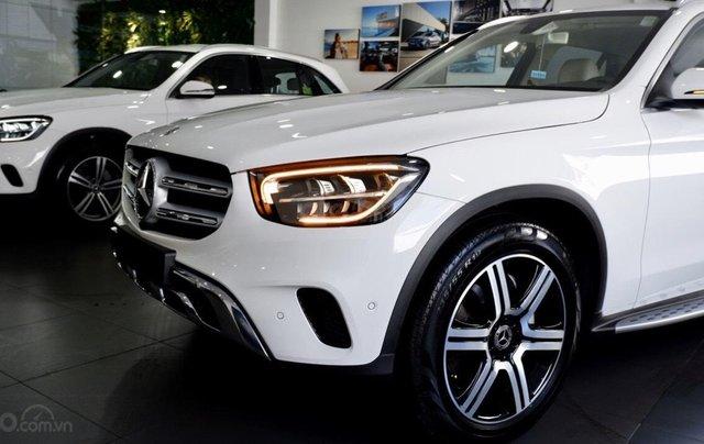 Xe SUV Mercedes-Benz GLC 200 4Matic 2020, thông số kỹ thuật, giá lăn bánh tháng 01/20211