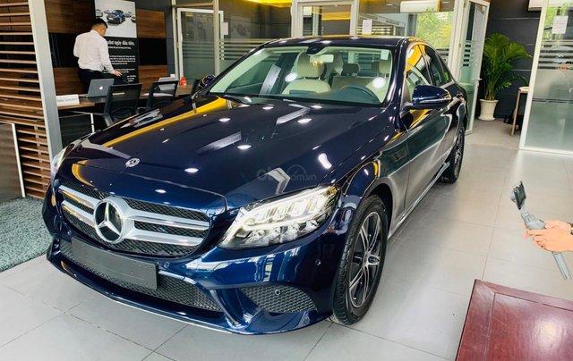 Giá xe Mercedes-Benz C180 2020, thông số kỹ thuật, giá lăn bánh, khuyến mãi tháng 11/2020, màu xanh0