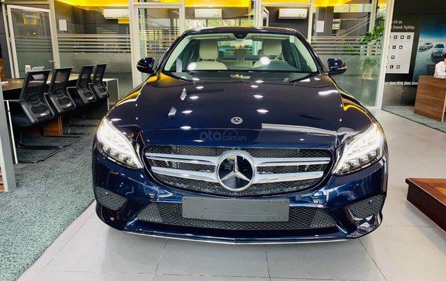 Giá xe Mercedes-Benz C180 2020, thông số kỹ thuật, giá lăn bánh, khuyến mãi tháng 11/2020, màu xanh1