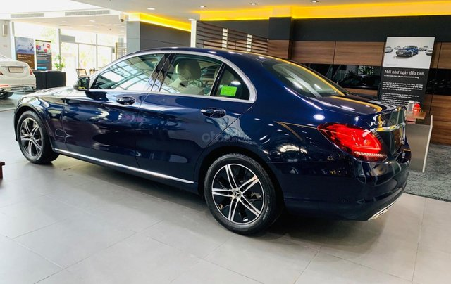 Giá xe Mercedes-Benz C180 2020, thông số kỹ thuật, giá lăn bánh, khuyến mãi tháng 11/2020, màu xanh3