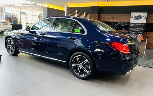 Giá xe Mercedes-Benz C180 2020, thông số kỹ thuật, giá lăn bánh, khuyến mãi tháng 11/2020, màu xanh4
