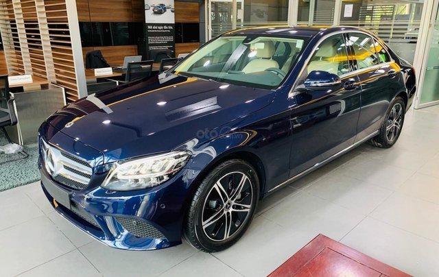 Giá xe Mercedes-Benz C180 2020, thông số kỹ thuật, giá lăn bánh, khuyến mãi tháng 11/2020, màu xanh6
