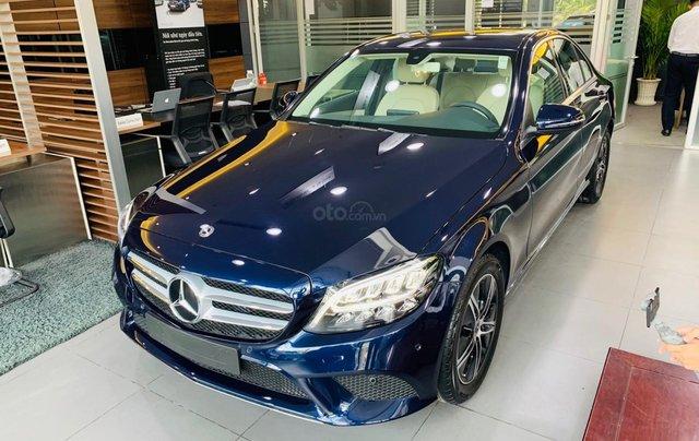 Giá xe Mercedes-Benz C180 2020, thông số kỹ thuật, giá lăn bánh, khuyến mãi tháng 11/2020, màu xanh7
