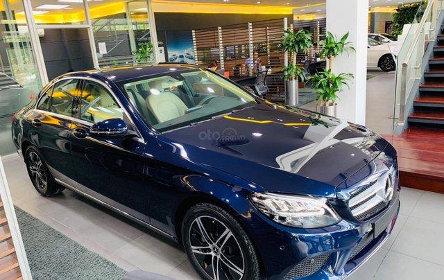 Giá xe Mercedes-Benz C180 2020, thông số kỹ thuật, giá lăn bánh, khuyến mãi tháng 11/2020, màu xanh8