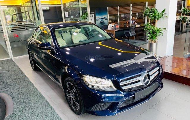 Giá xe Mercedes-Benz C180 2020, thông số kỹ thuật, giá lăn bánh, khuyến mãi tháng 11/2020, màu xanh9