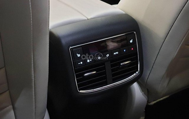 Mazda CX-8 - ưu đãi khủng mùa dịch - tiền mặt + phụ kiện lên đến 120tr - tặng BHVC6