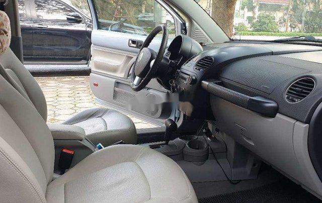 Cần bán gấp Volkswagen New Beetle năm sản xuất 2010, xe nhập, giá tốt3