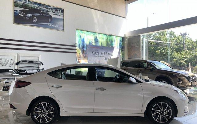 Giá xe Hyundai Elantra số sàn 2020 giá tốt nhất, LH ngay để nhận ưu đãi khủng4
