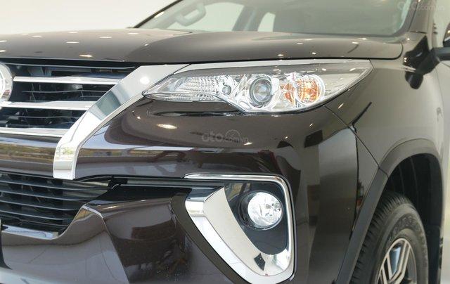 Bán Toyota Fortuner 2020 - máy dầu - số tự động, cam kết giá tốt - khuyến mãi lớn, trả trước 250 triệu - lãi suất thấp2