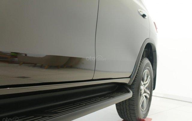 Bán Toyota Fortuner 2020 - máy dầu - số tự động, cam kết giá tốt - khuyến mãi lớn, trả trước 250 triệu - lãi suất thấp7