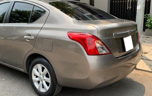 Cần bán Nissan Sunny model 2014, số tự động, bản full10