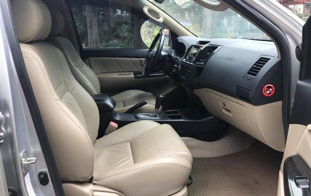 Bán xe Toyota Fortuner 2015, số tự động, màu bạc6