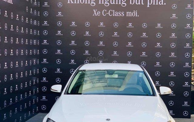 Cơ hội để sỡ hữu xe Mercedes-Benz C300 AMG 2020 với giá bán tốt nhất ngay thời điểm này3