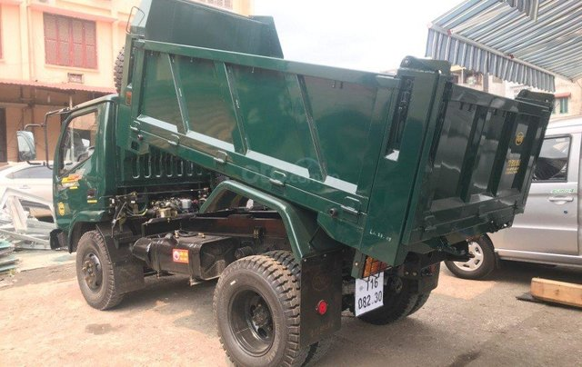 Nhà có xe tải Ben Hoa Mai 3 tấn 2