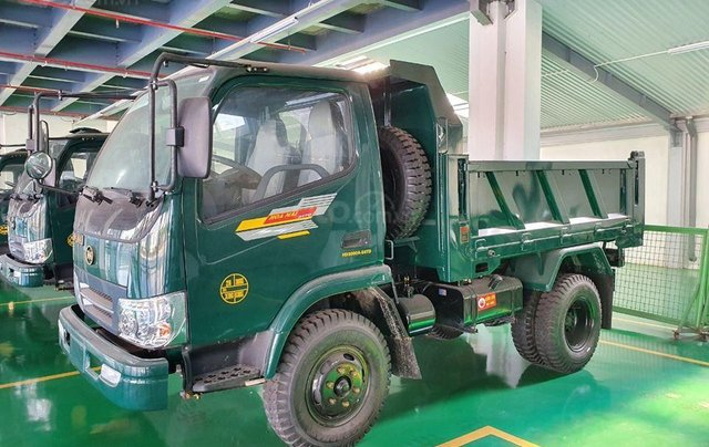 Nhà có xe tải Ben Hoa Mai 3 tấn 5