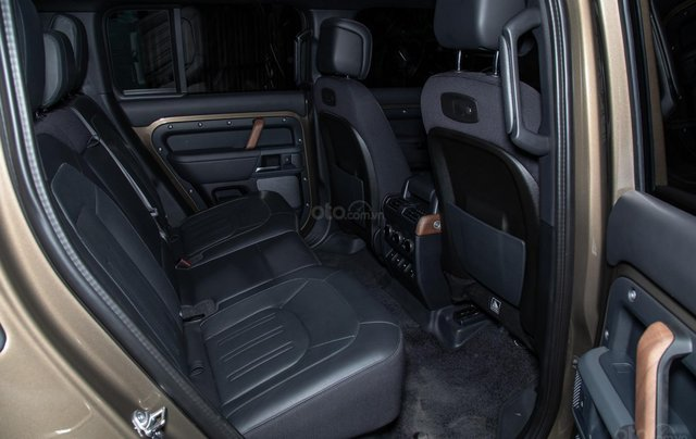 Bán xe Land Rover New Defender 2020 mới, nhập khẩu chính hãng từ Anh giá tốt nhất9