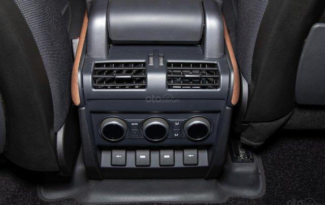Bán xe Land Rover New Defender 2020 mới, nhập khẩu chính hãng từ Anh giá tốt nhất10