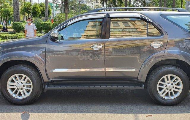 Cần bán xe Toyota Fortuner 2013 máy xăng, xe mới 90%4