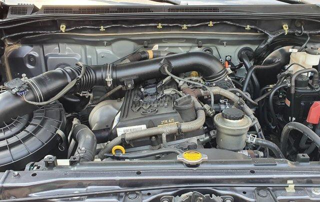 Cần bán xe Toyota Fortuner 2013 máy xăng, xe mới 90%12
