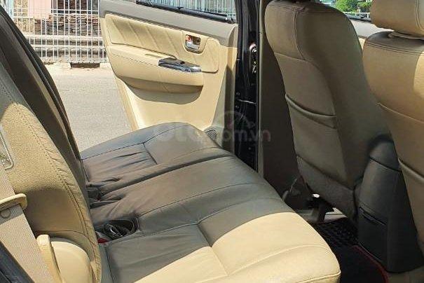 Cần bán xe Toyota Fortuner 2013 máy xăng, xe mới 90%9